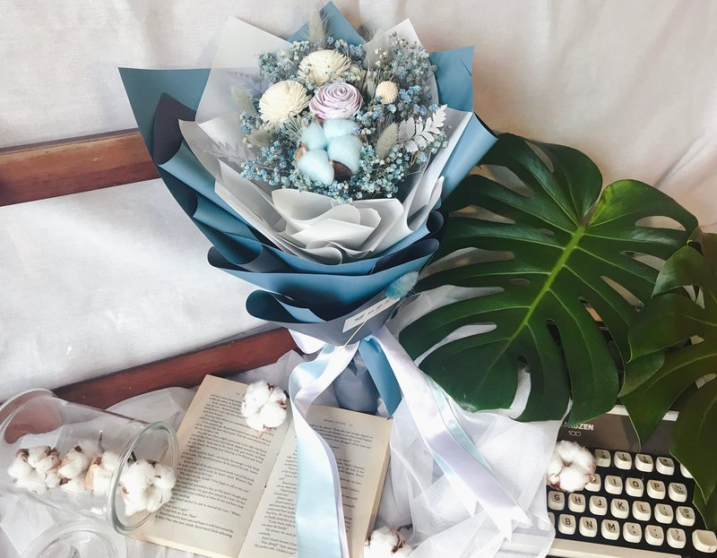 Dream Flower Graduation Bouquet / Dry Bouquet / Blue Bouquet / Gift / Graduation Gift