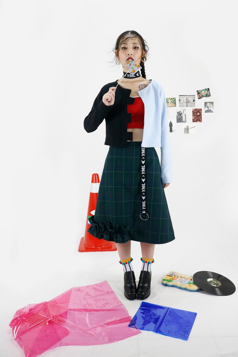 YOUR MOM LIES 2016AW dark green YML Ribbon A word small crease skirt
