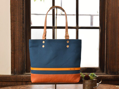 [Popular NO.1] Tote bag made of leather and Takashima canvas Lake Blue M size