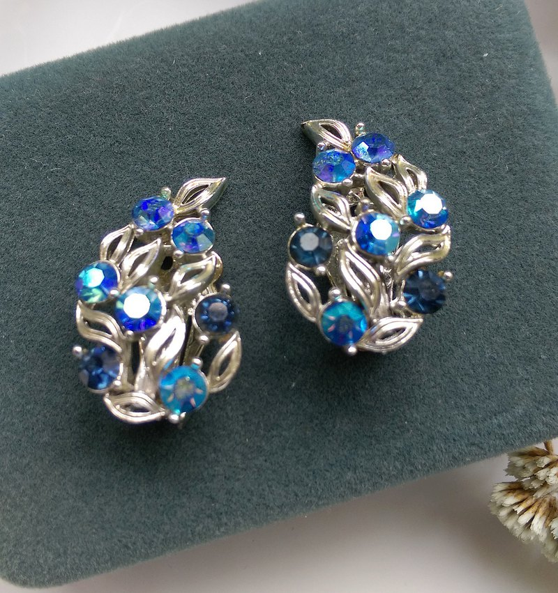[Western antique jewelry / old age] LISNER indigo two-color Rhein clip earrings