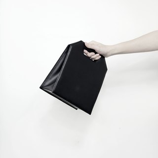 Mini Kontur - minimalist structured leather bag