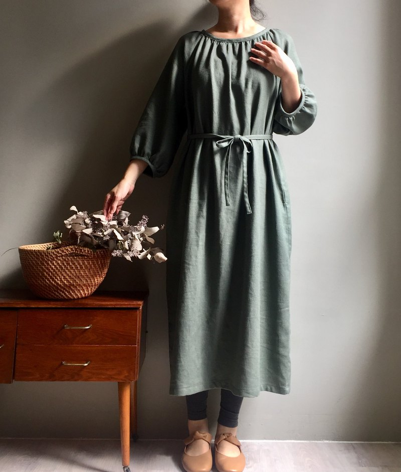 Specials-Hyacinth / Yuanshan Green Cotton Hemp Round Neck Wrinkled Puff Sleeve Dress
