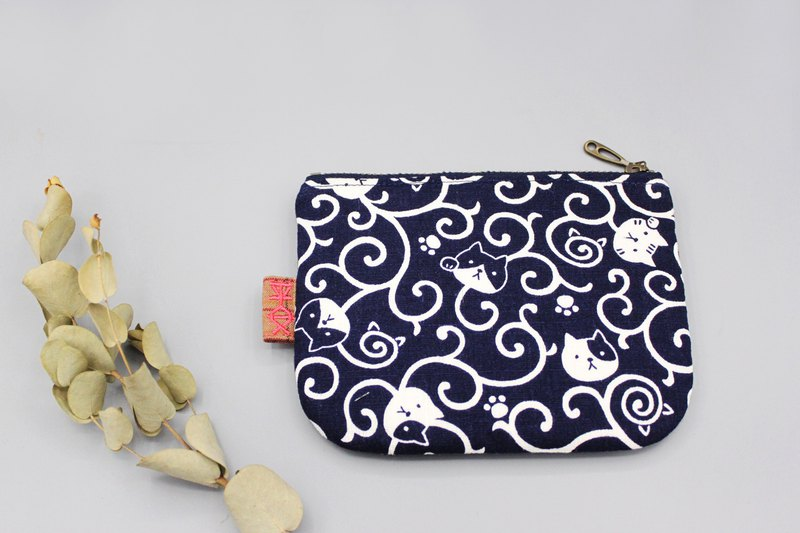 Peaceful little bag - cat in the swirl totem (dark blue), double-sided two-color wallet