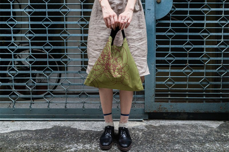 triangle bag (S) / flower