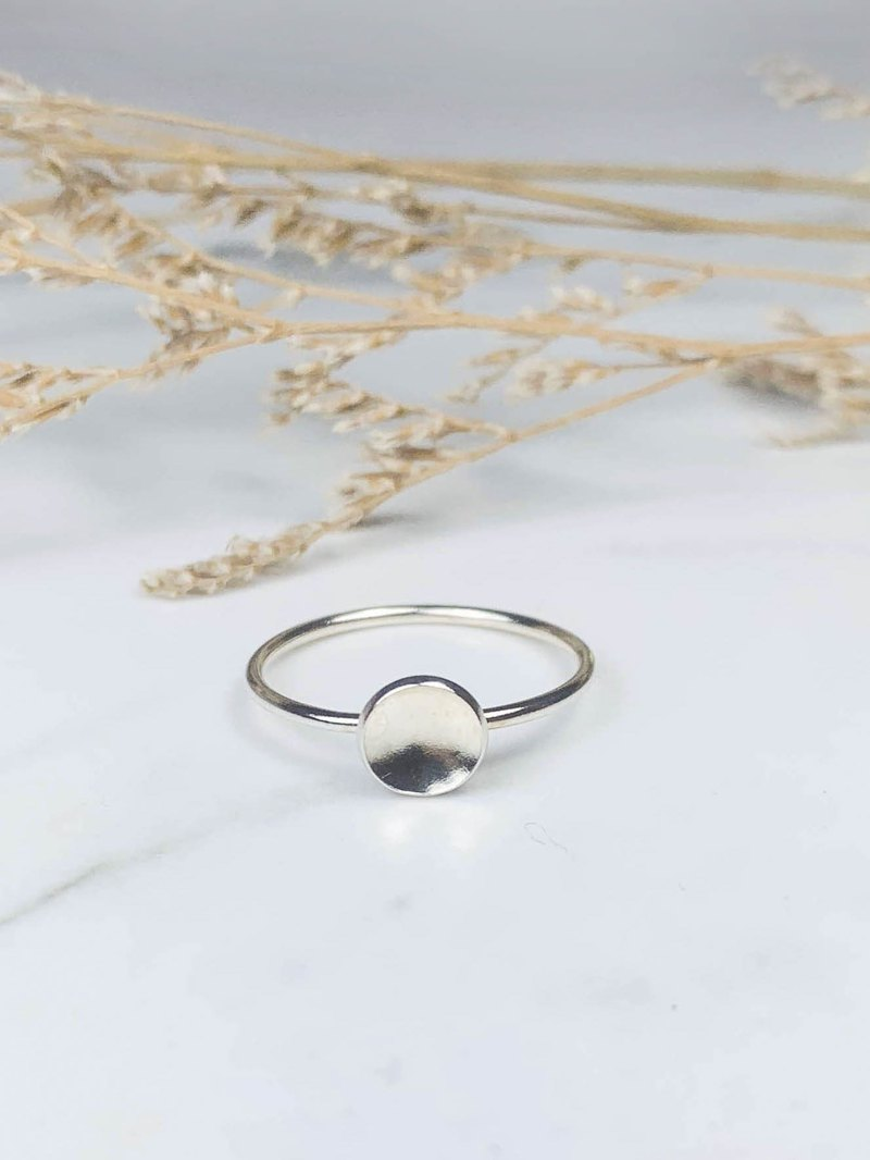 The Midas touch / Point Stone into Gold - Round Sterling Silver Ring