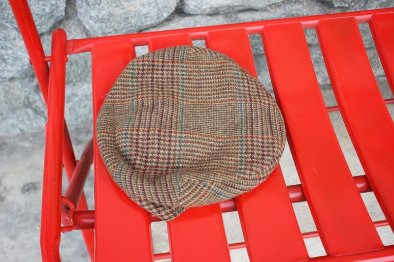 H507 [Vintage hat] {British system where subscript} Flat Cap Plaid 100% Kashimier brown wool cap (Made in England)