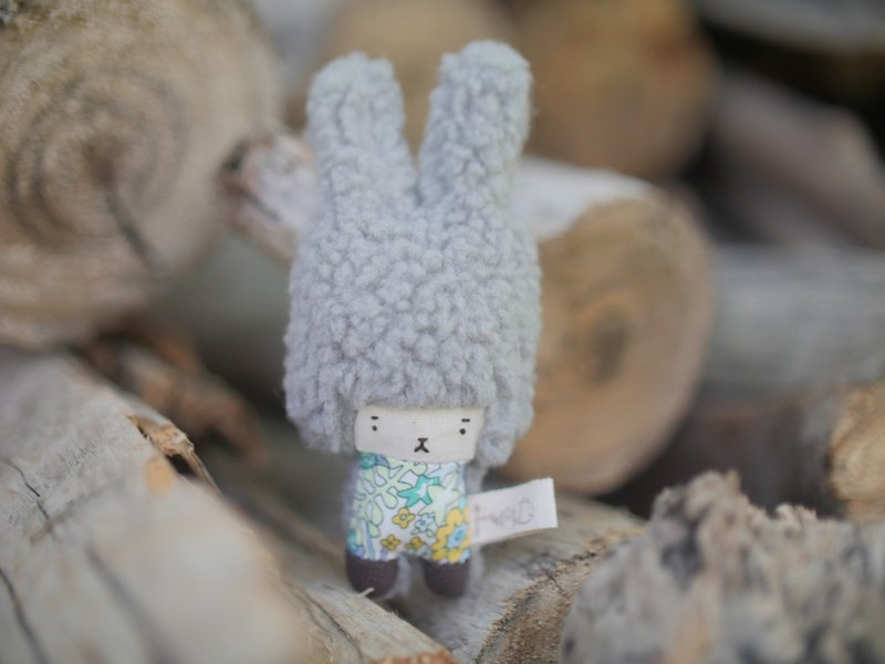 Dou's little rabbit - gray hair - blue dream flower - 2018130