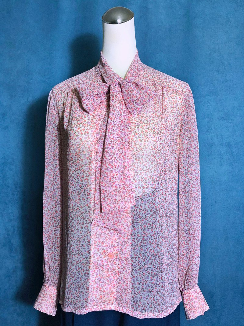 Bow tie flowers long sleeve vintage shirt / abroad brought back VINTAGE