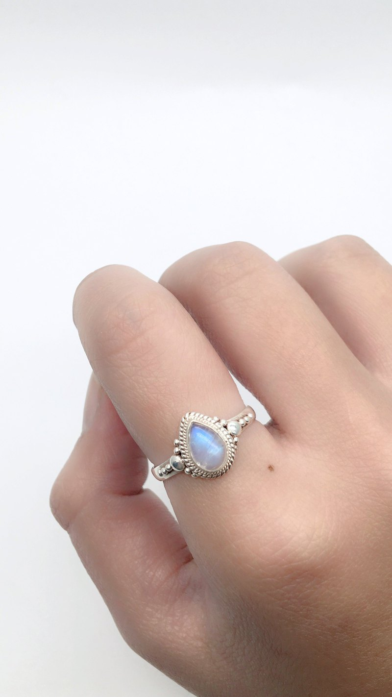 Moonstone Sterling Silver Elegant Ring Nepal handmade inlay production - water moonstone