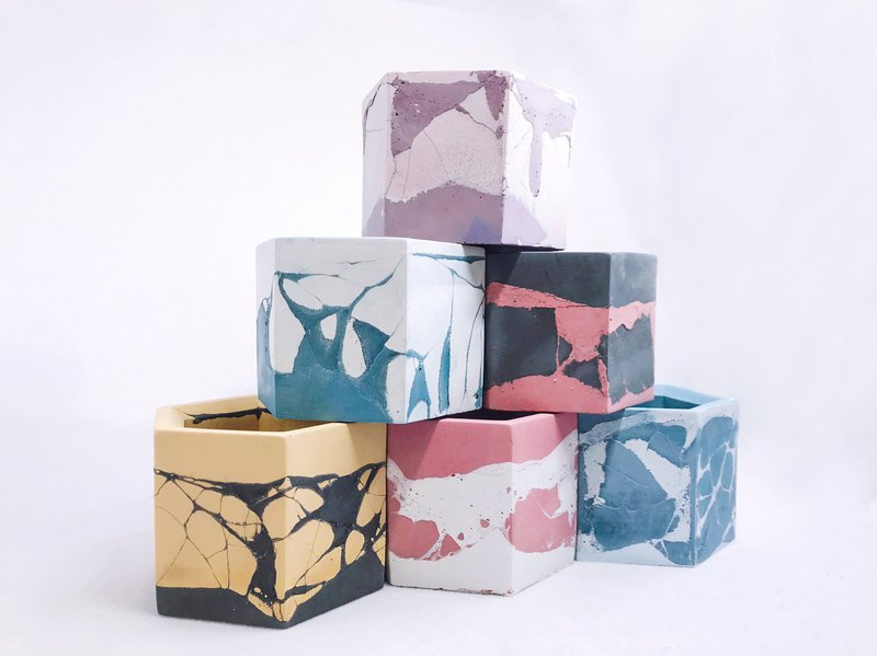 Goody Bag-Hexagonal Basin 3 into the group (style randomly shipped)