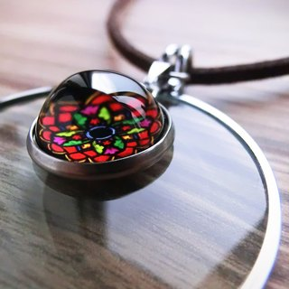 Rose circle - a magnifying glass pendant chain