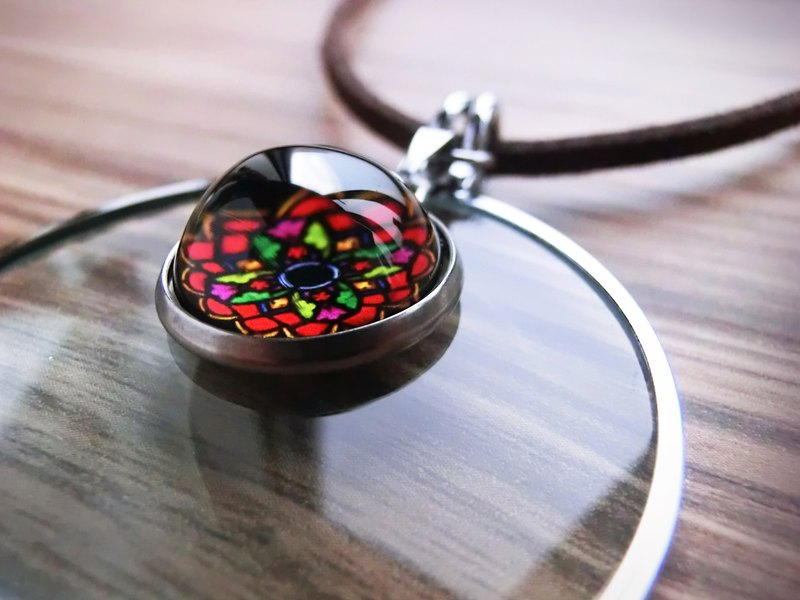 Magnifier Necklace