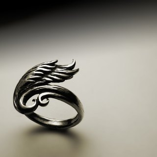 Single wing curve ring