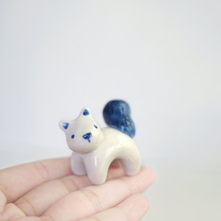 Tiny creatures - Peanut Squirrel porcelain