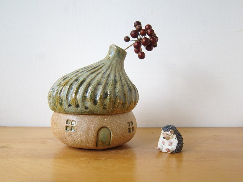 Acorn Pottery House - green