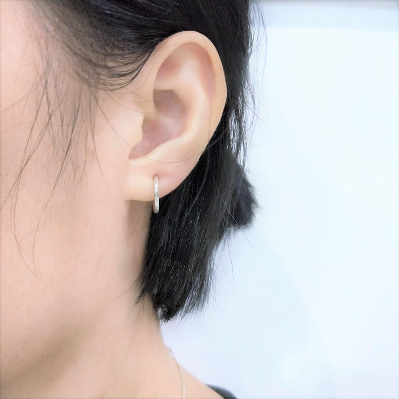 │Simple│ Plain spring ear clip • Sterling silver • Light earrings • One pair sale