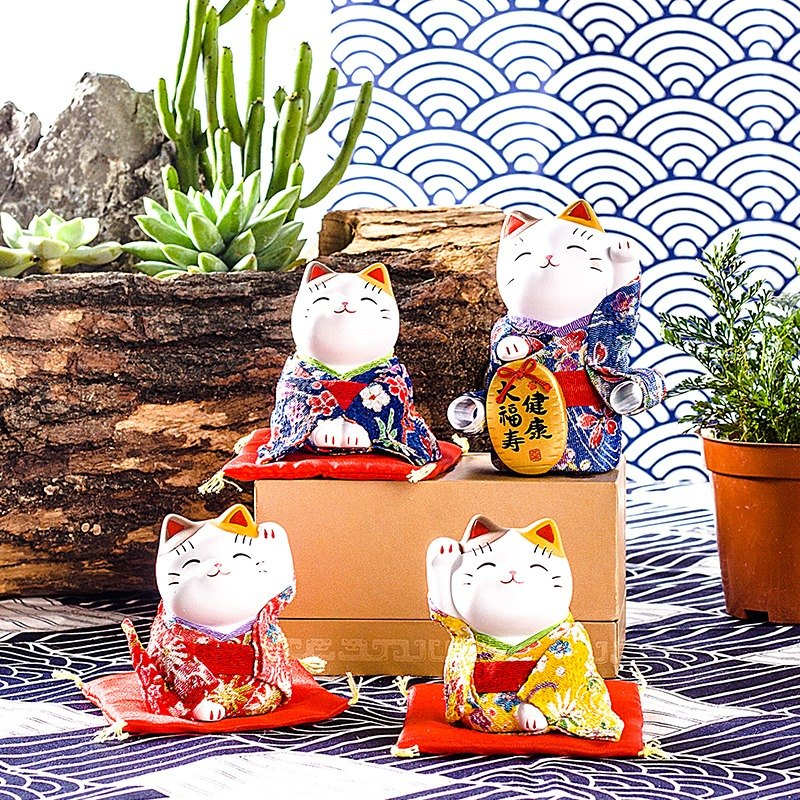 Christmas Gifts Japan Pharmacist Kiln Kam Choi Lucky Cat Car Ornaments Opened Move Married To Send Friends A Creative Birthday Gift