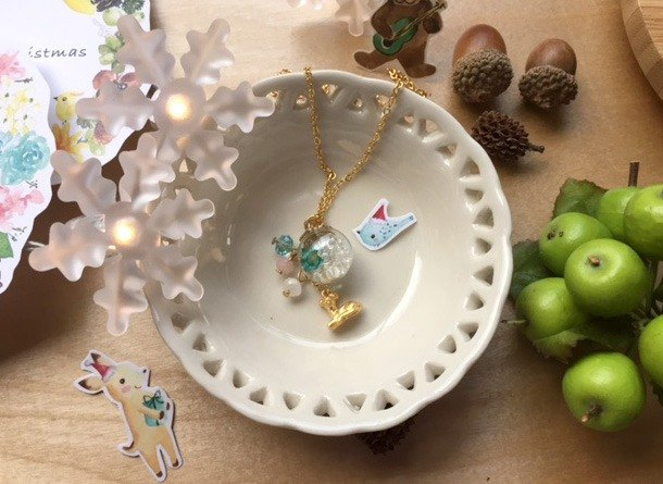 Zoe's forest deer necklace Bubble ball