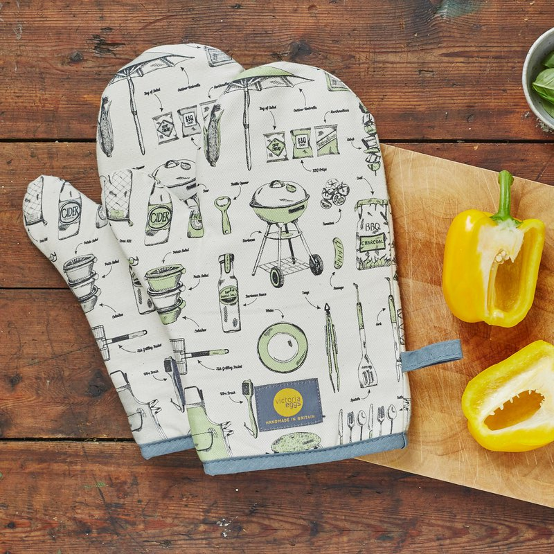 British Egg Organic Cotton Oven Gloves English Barbeque