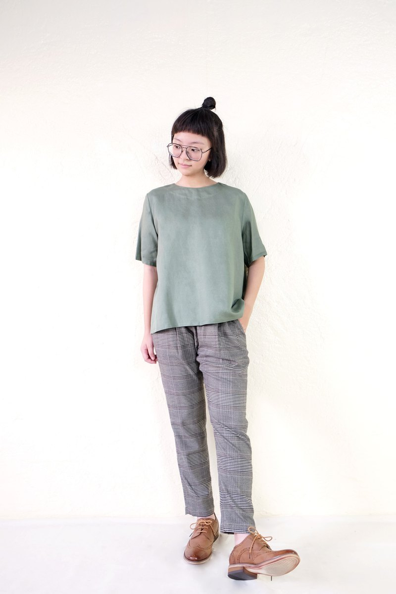 Micro-umbrella five-point sleeve top / Matcha green linen-spot 1