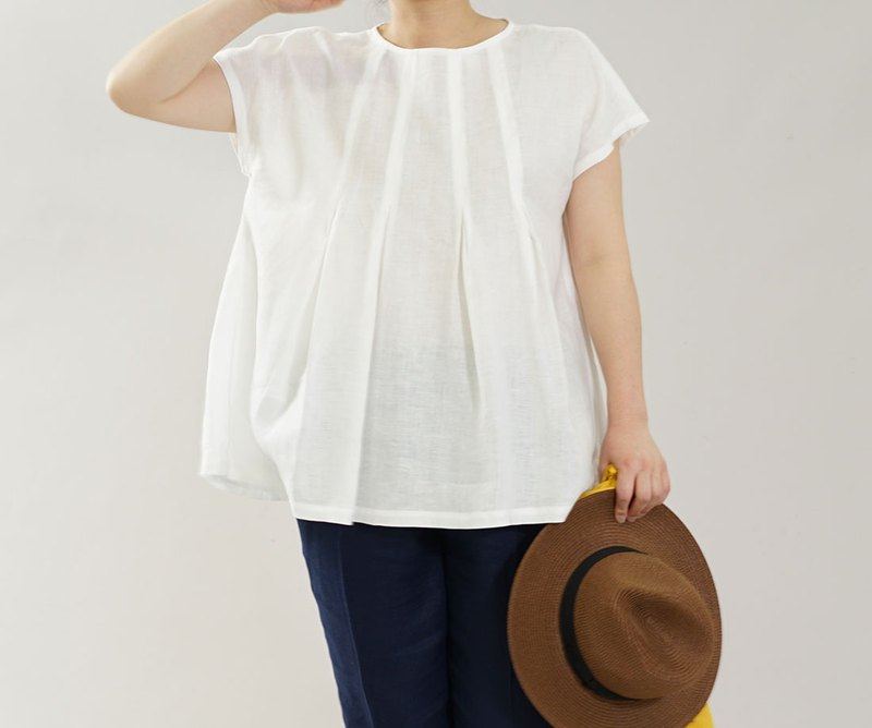 Linen Tee / blouse / round neck line / short sleeve / white  t039a-wht1
