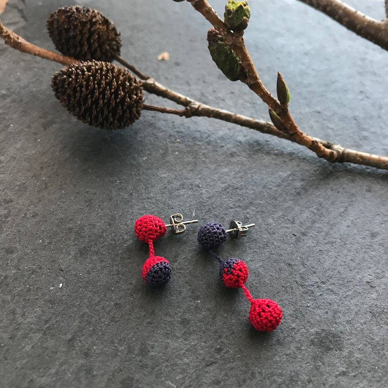 Bicolor Crochet Ball Earrings: red+navy