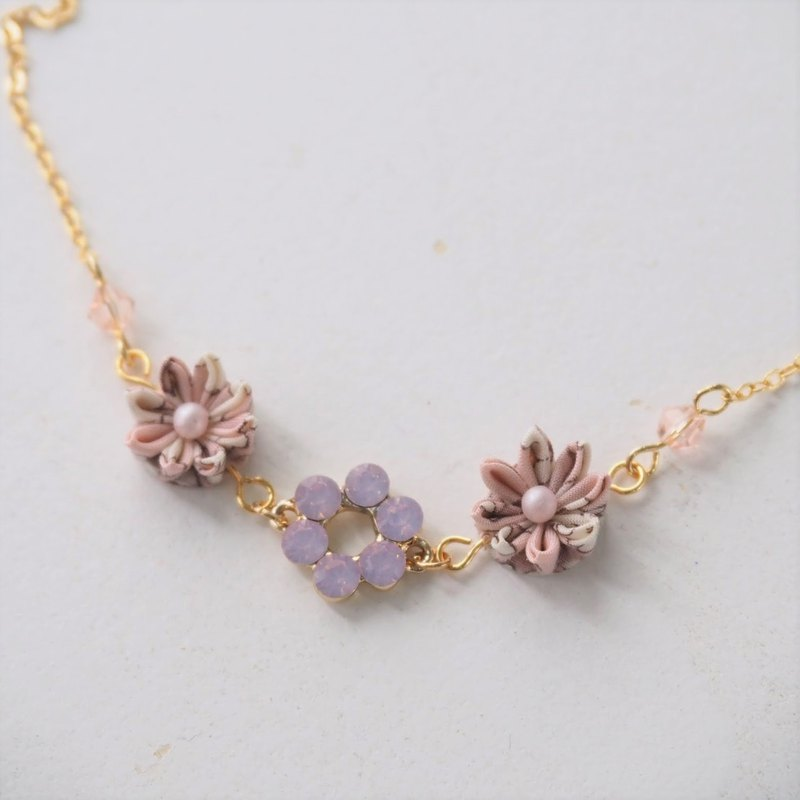 Pale Pink Fabric Flowers and Crystal 16KGP Chain Necklace custom