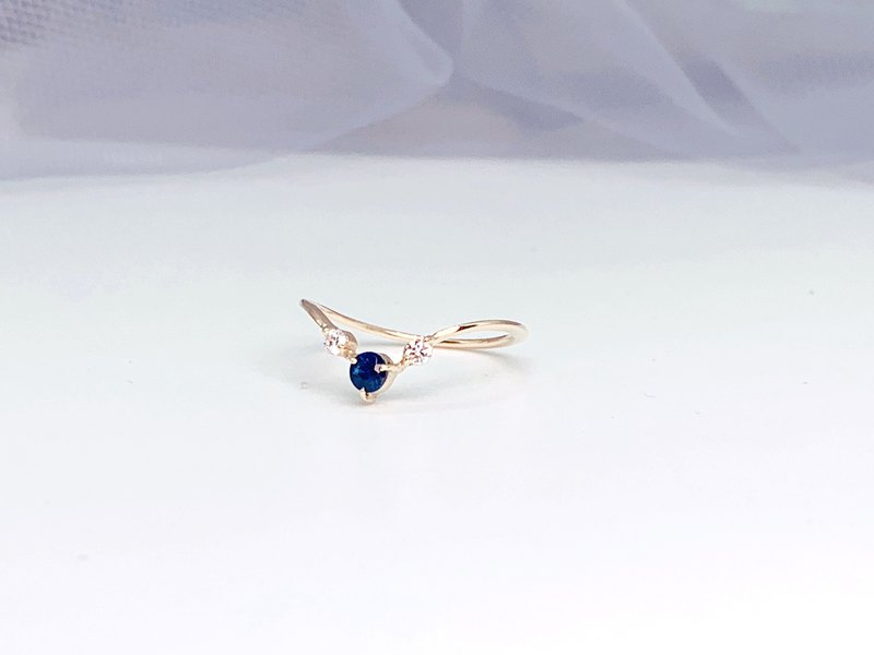 [Gorgeous ayaka series] K18 V-shaped sapphire diamond ring September birthday stone