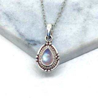 Moonstone Quartz Elegant Design Necklace in Sterling Silver Made in Nepal (Water Moonstone)