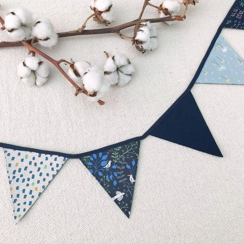 Blue dot dot pennants home decoration