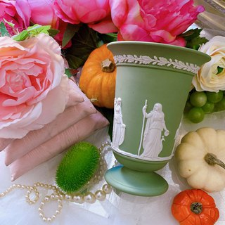 ♥ ~ Anne crazy antique ~ ♥ British bone porcelain Wedgwood jasper green jasper relief Greek mythology in size vase, pen holder, cosmetic bucket