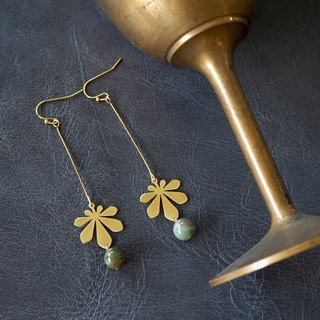 Long Chestnut leaf earring with gray stone (brass hand made)