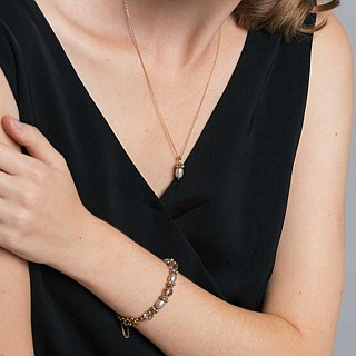 "I Am Woman / Pearl / 20"" Necklace"