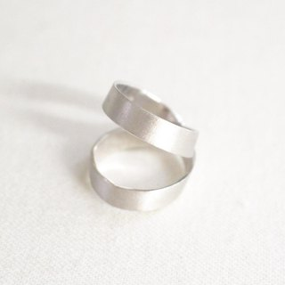 Silver of reversible ring (silver color)