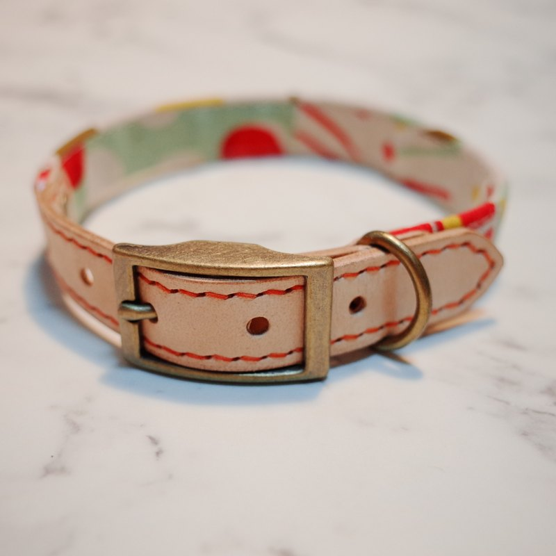 Dog collars, Forest with red leaf and yellow tree_DCJ090434