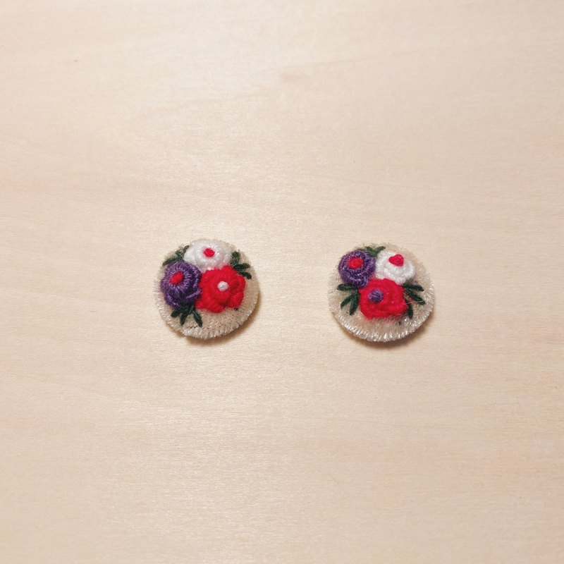 Vintage Off-White Embroidered Flower Ball Earrings