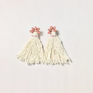 Miss summer tassels with pink wood beads earrings