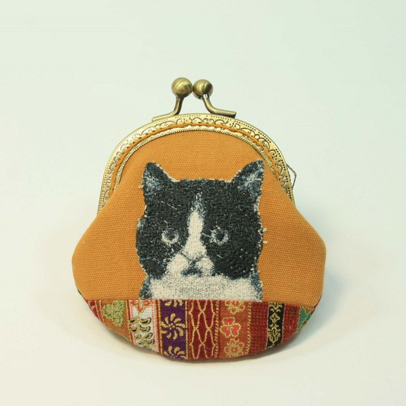 Embroidery 8.5cm gold coin purse 27- black and white cat