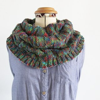 Blue wool scarf (color yarn green)