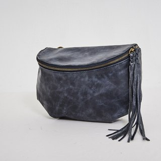 Curved zipper light small side backpack dark blue