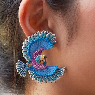 ARRO / Embroidery earring / Flying bird / grey