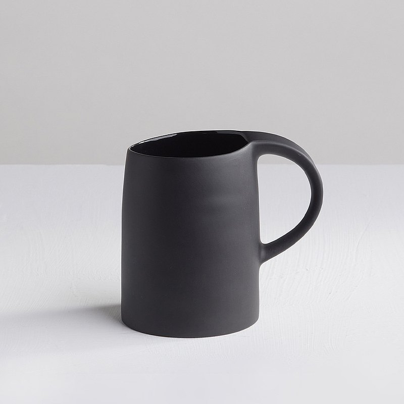 [3, co] water mug - black