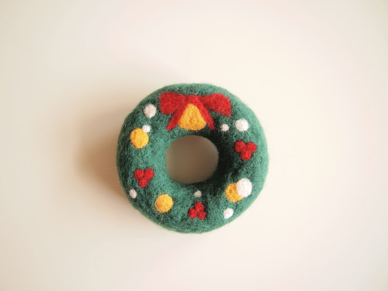 Christmas limited Christmas donut wool felt pin