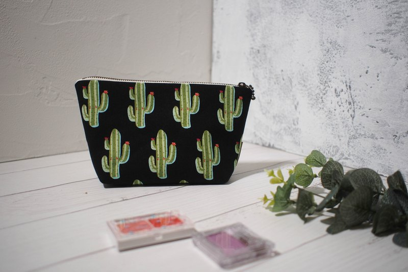 Daily series cosmetic bag / storage bag / limited manual bag / cactus / off-the-shelf