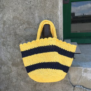Little bee in the rose bush. Hand-woven hollow bag