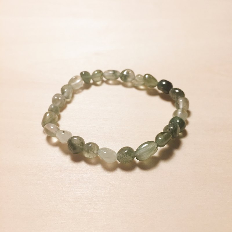 Irregular green hair bracelet