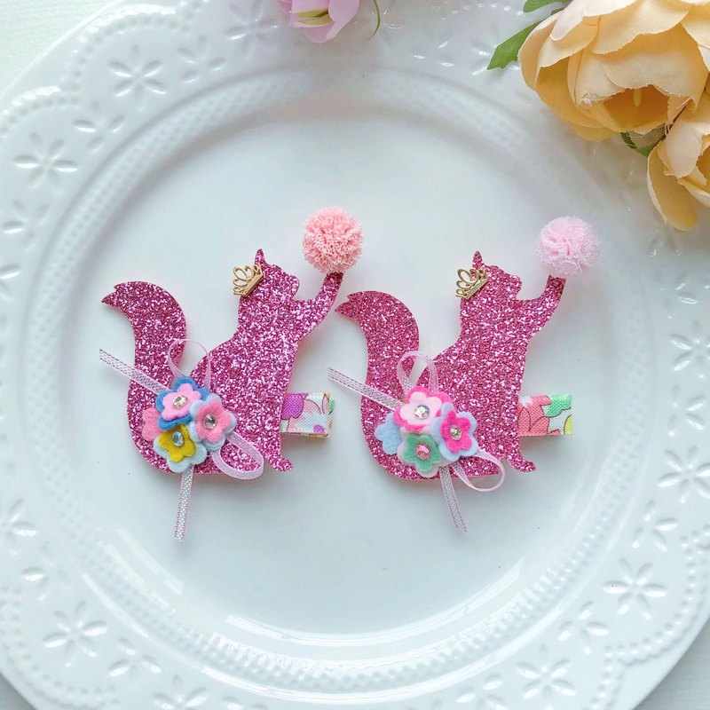 Shiny cute cat, non-woven flower, small floral hair clip