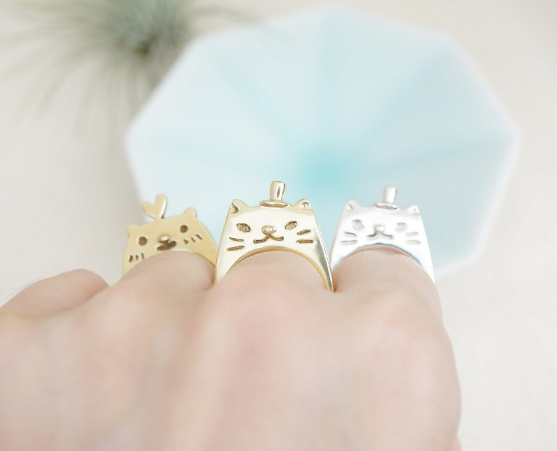 Gentleman Kitty Brass Ring