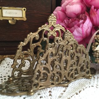 Anne crazy antiquities British bronze hollow carved napkin holder letter function storage rack groceries happiness table partner