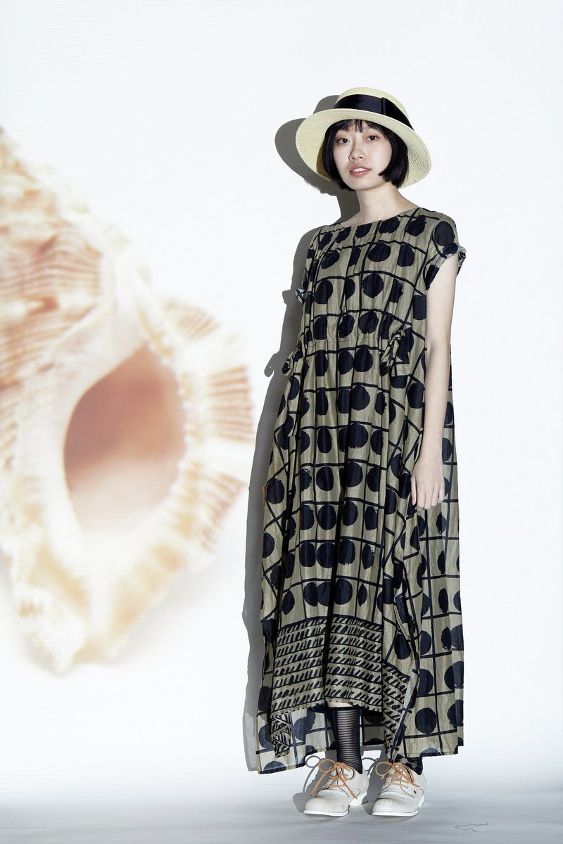 Sea _ camouflage color totem tied knot side 衩 long dress